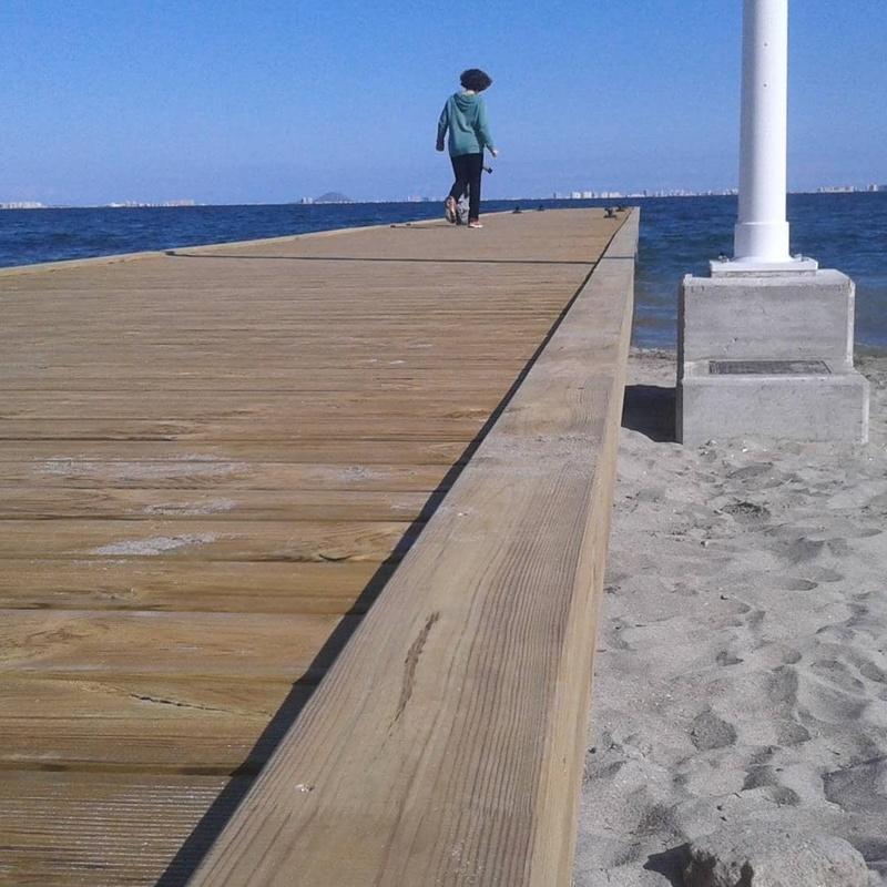 Embarcaderos, paseos, vallados...: Servicios de Maderania
