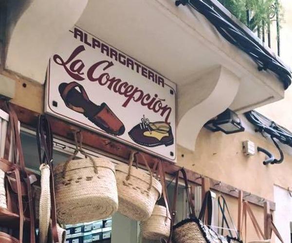 Menorquinas en Mallorca   Alpargatería La Concepción