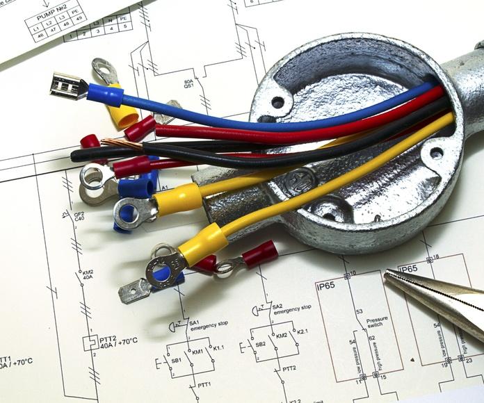 Instalaciones de baja tensión: Servicios de Pedro Miras Electricidad