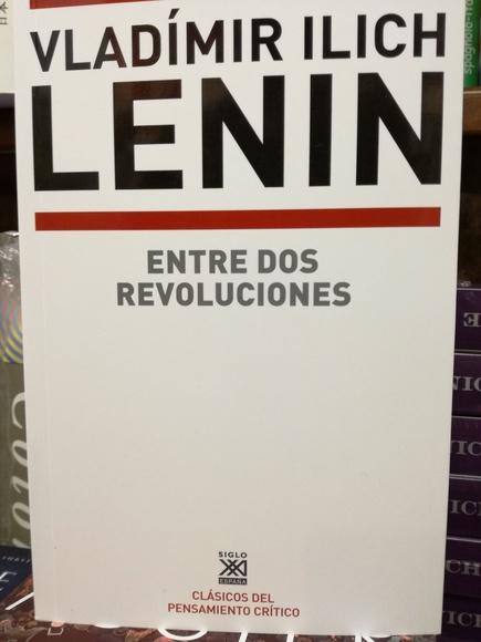 Entre dos revoluciones: SECCIONES de Librería Nueva Plaza Universitaria