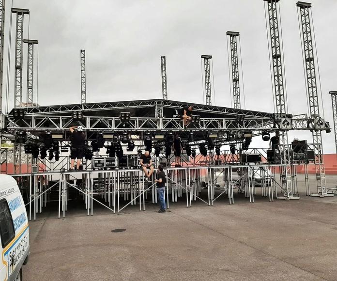 Montaje escenarios, gradas y rampas para eventos