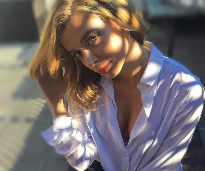 Fani Stipkovic, modelo y periodista croata. Llongueras Mirasierra.