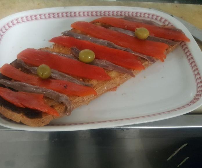 Entrantes y ensaladas: Nuestras especialidades de El Caliu Brasería Restaurante
