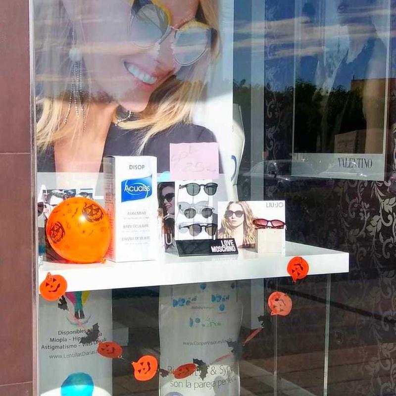 Productos para el cuidado de las lentes de contacto: Servicios de Optimas
