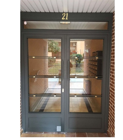 puerta de portal modelo secilla