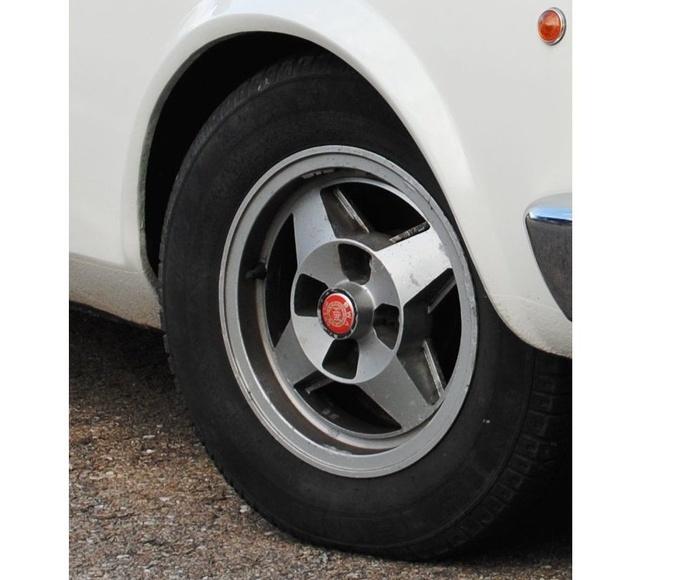 LLANTAS SEAT 124 D: Catálogo de productos de Accesorios y Recambios Rubí