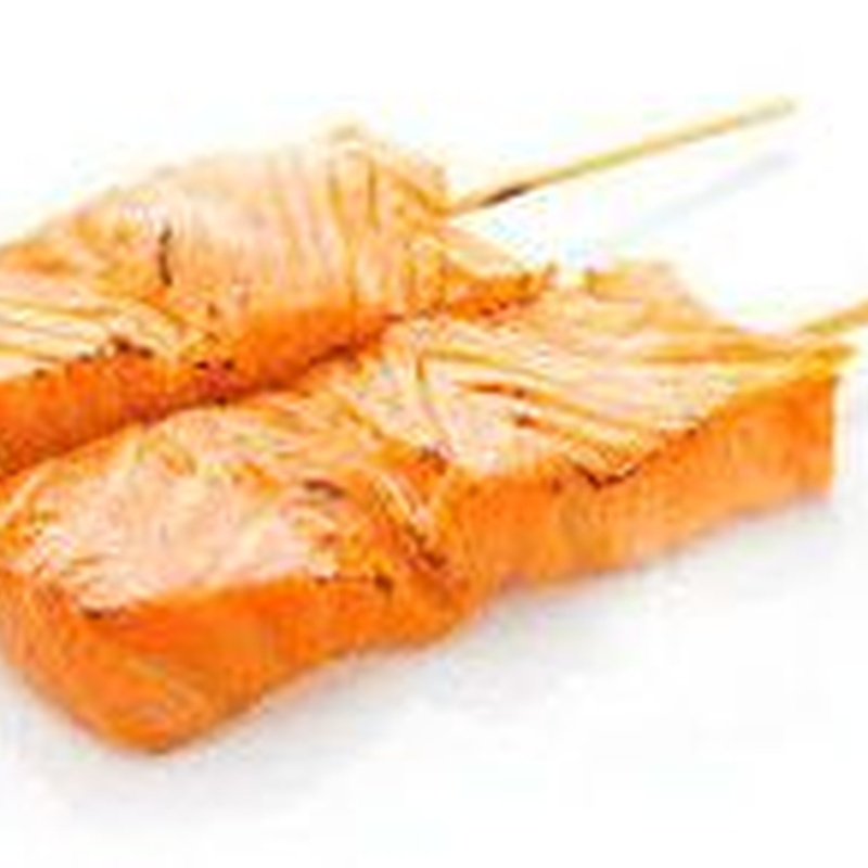 Yakitori salmón (2 piezas): Menús de Kiniro Sushi