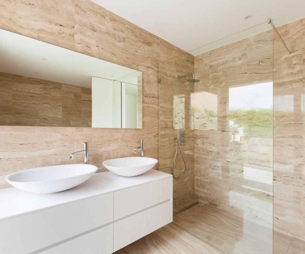 La madera en el baño