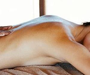 Masaje completo (espalda, hombros, pecho, piernas)