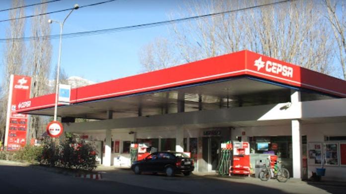Gasolinera: Servicios de Gasolinera Aínsa