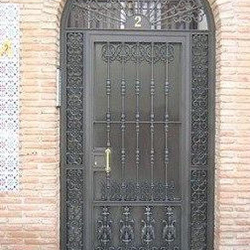 Puertas de portal: Productos y Servicios de Luvematic