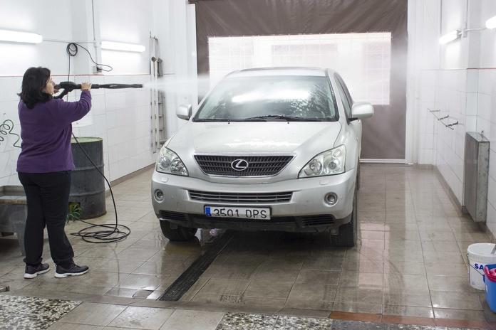 Lavadero manual de vehículos: Servicios de Talleres Joicar Multiauto