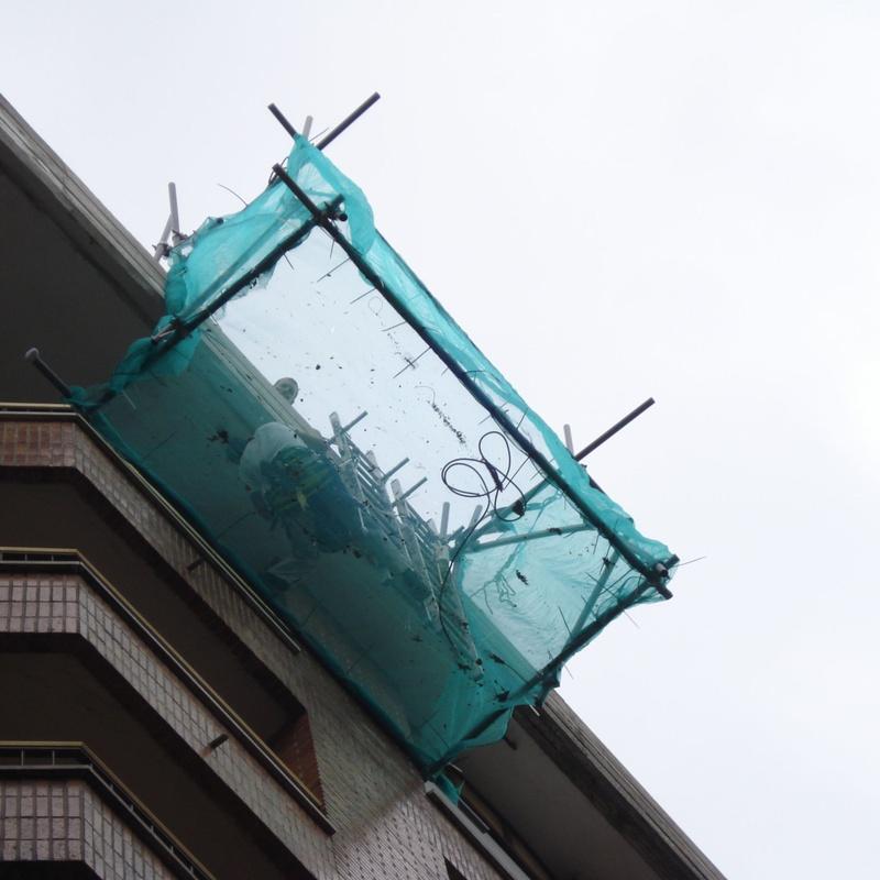 Reparación de alero con sistema de trabajos verticales
