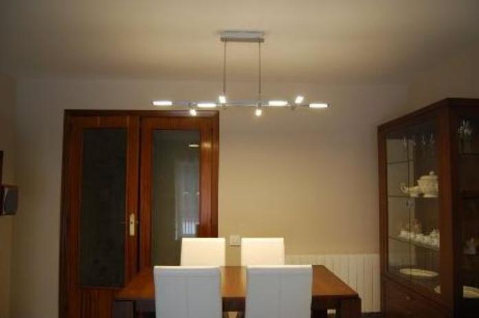 LAMPARA DE LED ULTRAFINA.