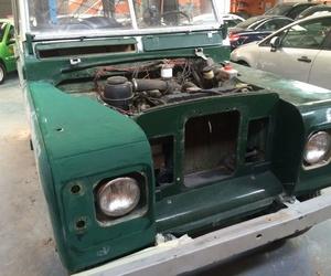 Comienzo del proceso de restauración de este Land Rover Santana ´77