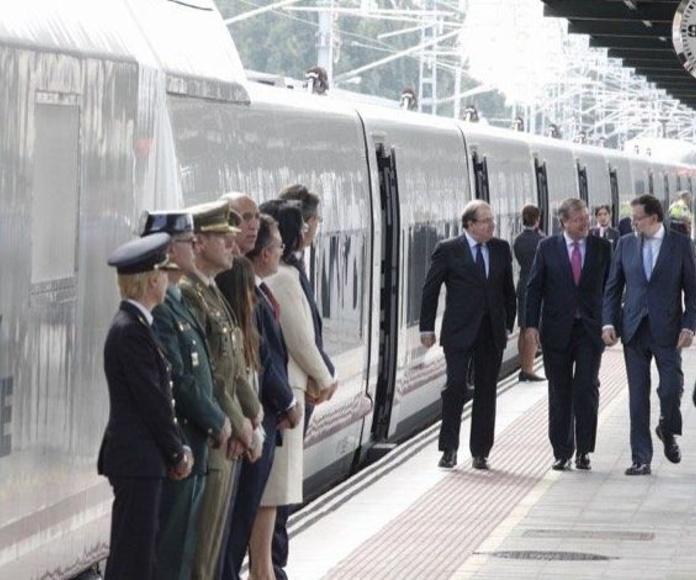 El nuevo responsable ministerial, Íñigo de la Serna, impulsa el proyecto de 'tren rápido' entre Palencia y Santander,