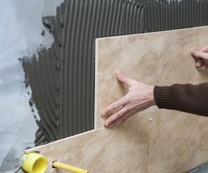 Albañilería. Alicatado de paredes