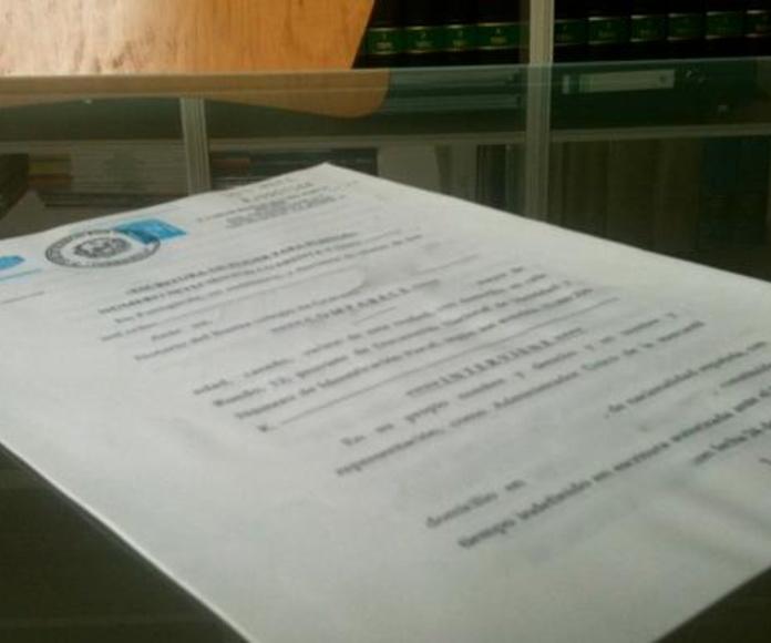 Poderes para Pleitos: Servicios de Notaría D. Luis Garay Cuadros