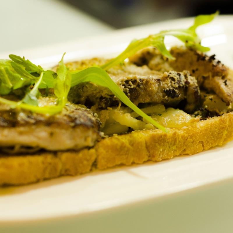 Nuestras tostas, puntuales a su hora: Servicios de Cafetería Tosteria O´Clock