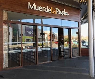 Muerde la Pasta C. C. El Faro Badajoz.