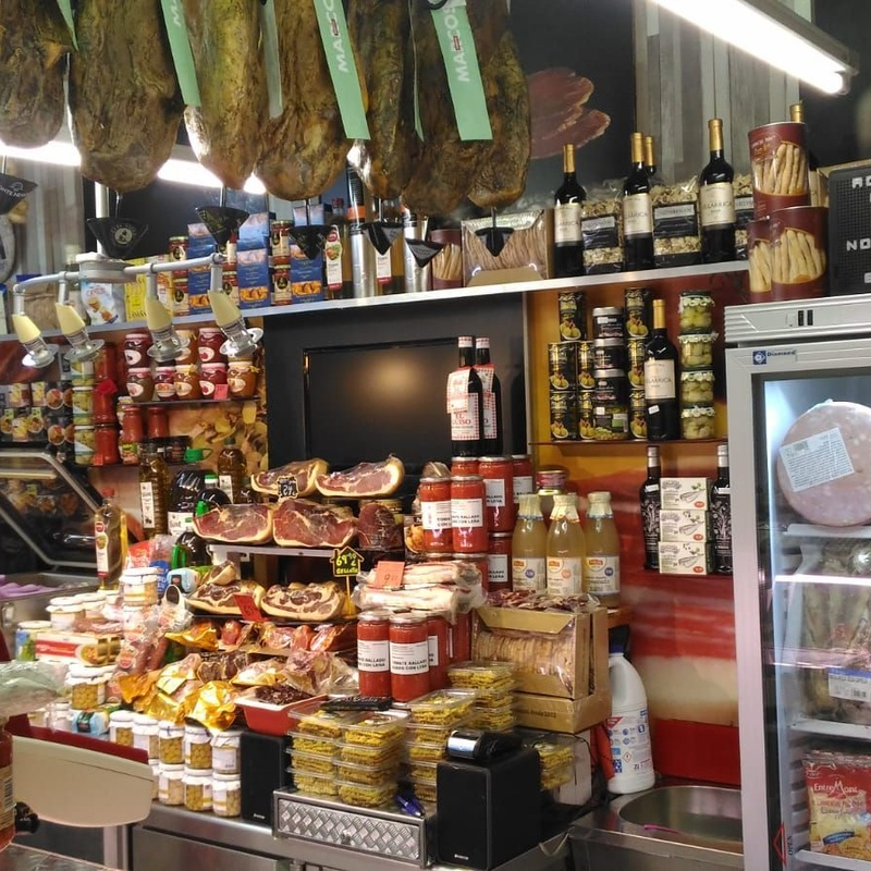 Gourmet: Productos de Comestibles y Salazones Paco y Mari