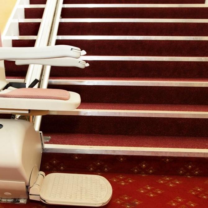 Diferencias entre una silla y una plataforma salvaescaleras