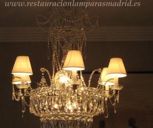 Lámpara estilo Carlos IV con cristal de Bohemia. Hecha a medida. Diseño propio.