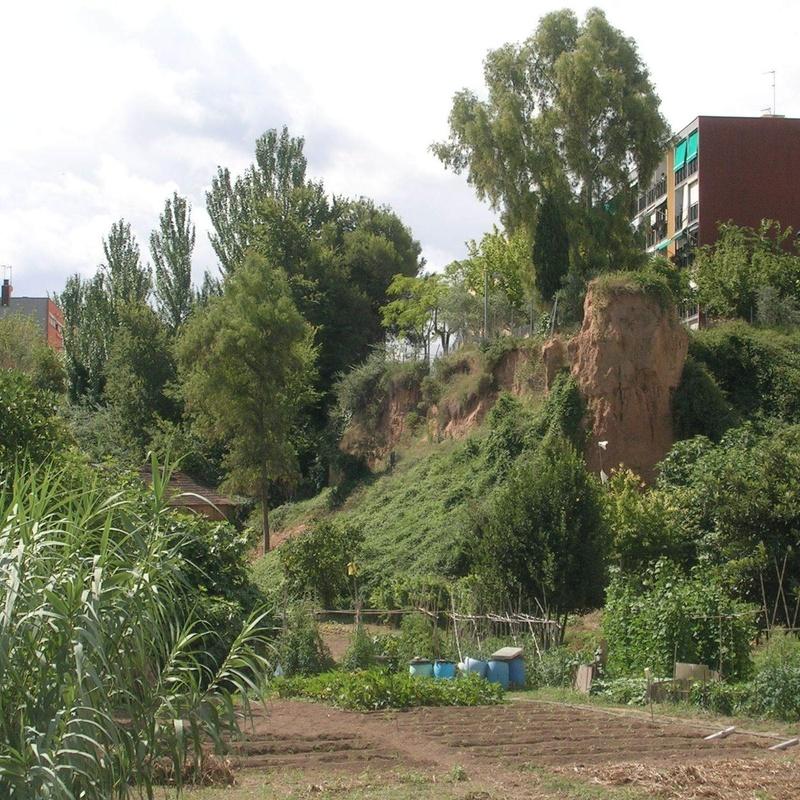 """Estudio de estabilidad de taludes para el """"Proyecto de restauración ambiental del talud localizado en el límite este de la Pl de Sant Roc"""". TM Rubí (Barcelona) REf. EG354-2011."""