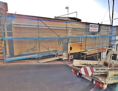 Instalación de andamio multidireccional en fachada. La Victoria.