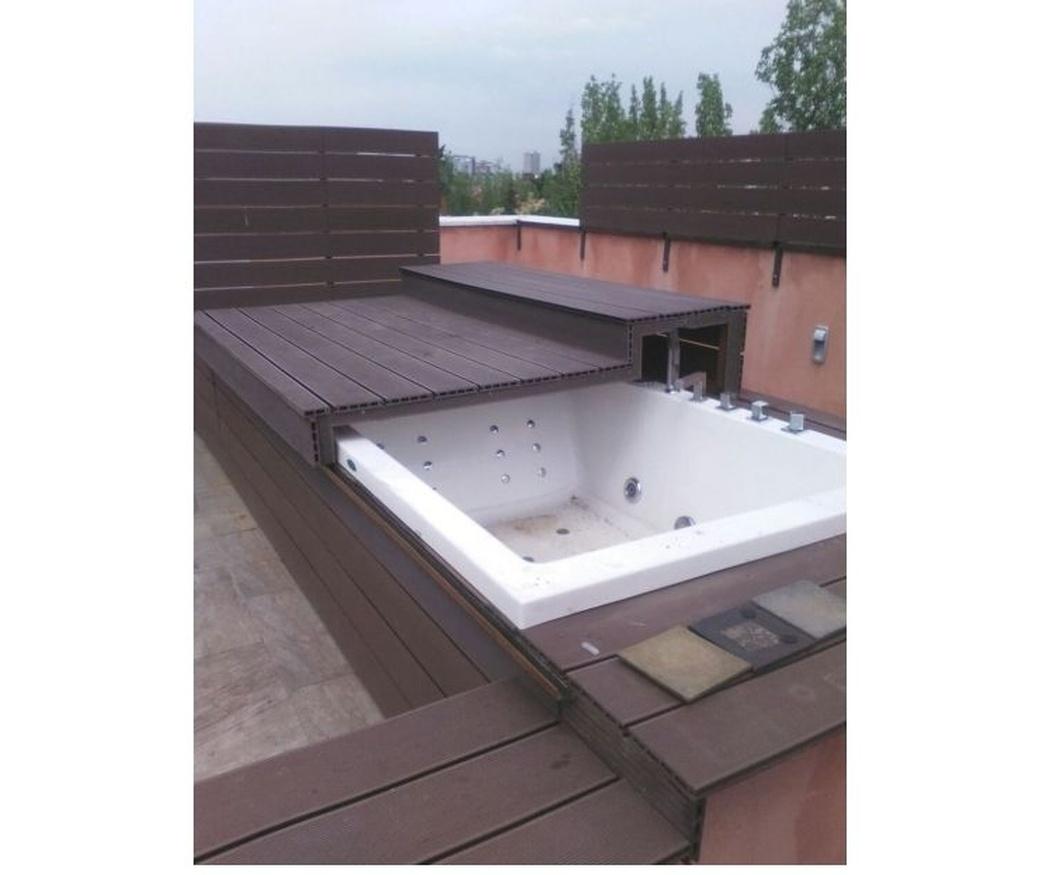 Protege tu piscina con una cubierta corrediza de tarima