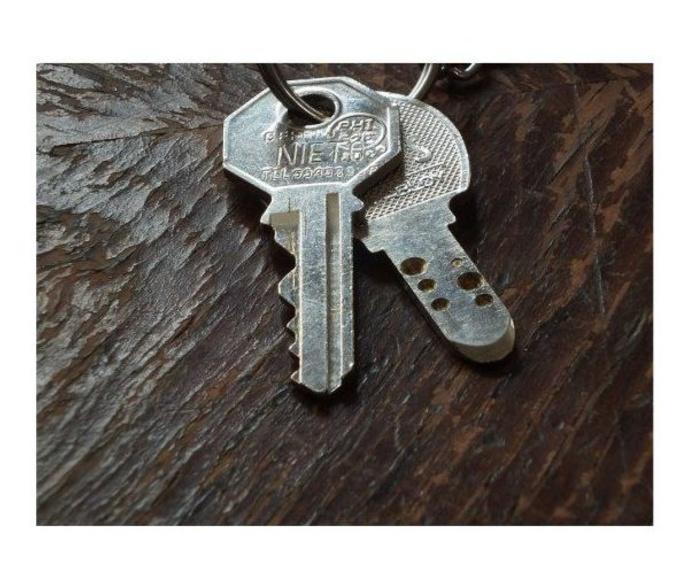 Duplicados de llaves y mandos a distancia: Productos de Calzados Ramos
