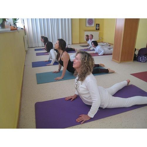 Yoga para mejorar cuerpo y mente