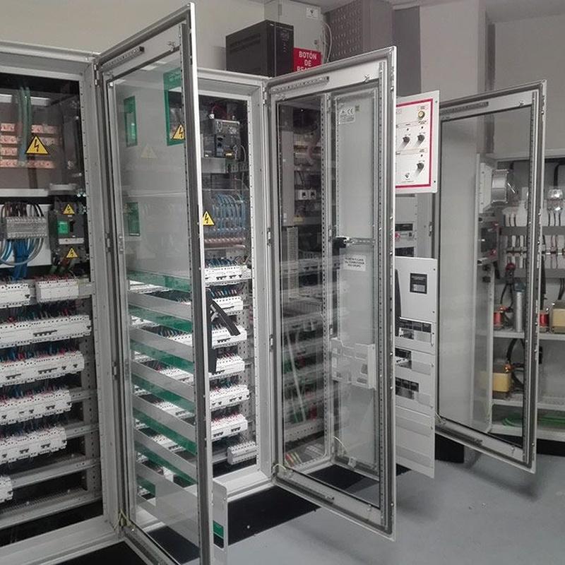 Cuadros eléctricos, mantenimiento baja tensión: Servicios de Verificaciones y Mantenimientos Montserrat, S. L.