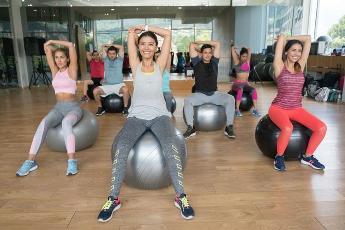 Pilates para grupos: Servicios de Pilates By Mauge