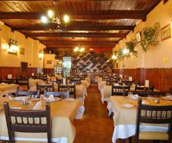 Amplio salón para grupos y celebración de eventos