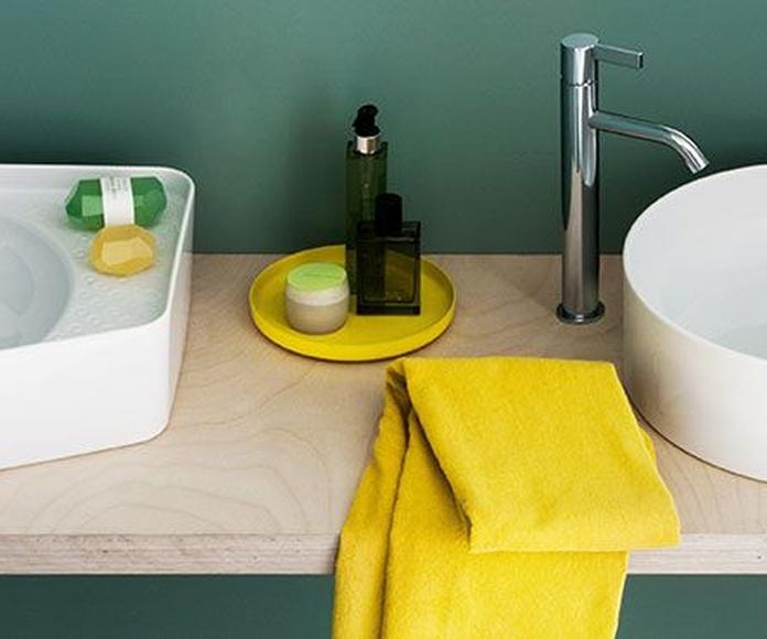 Laufen - Bañeras  - Grifería - Platos de ducha: Productos y servicios de Pavimentos Talabira