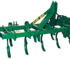 Maquinaria de arado de tierras en Toledo