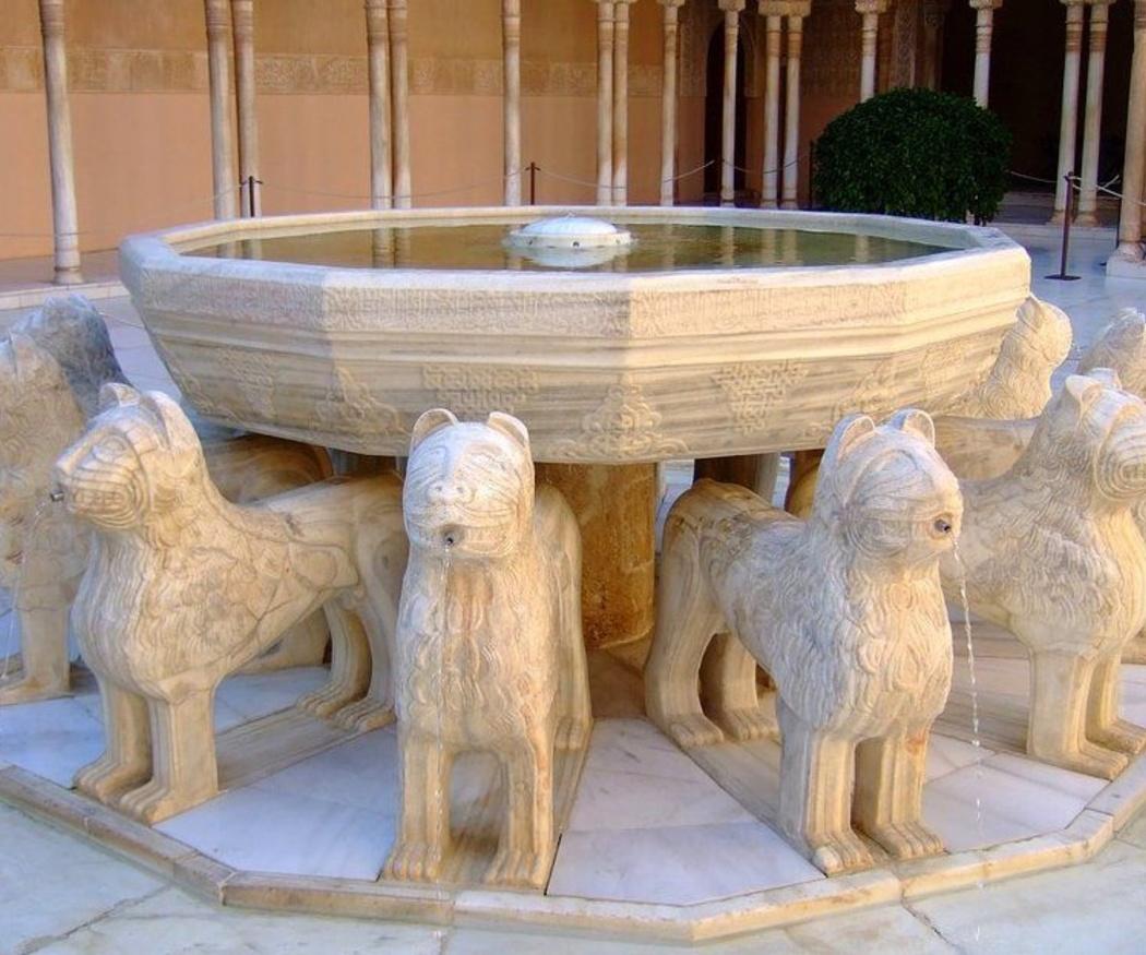 ¿Sabías que el Patio de los Leones de la Alhambra tiene como protagonista el mármol?