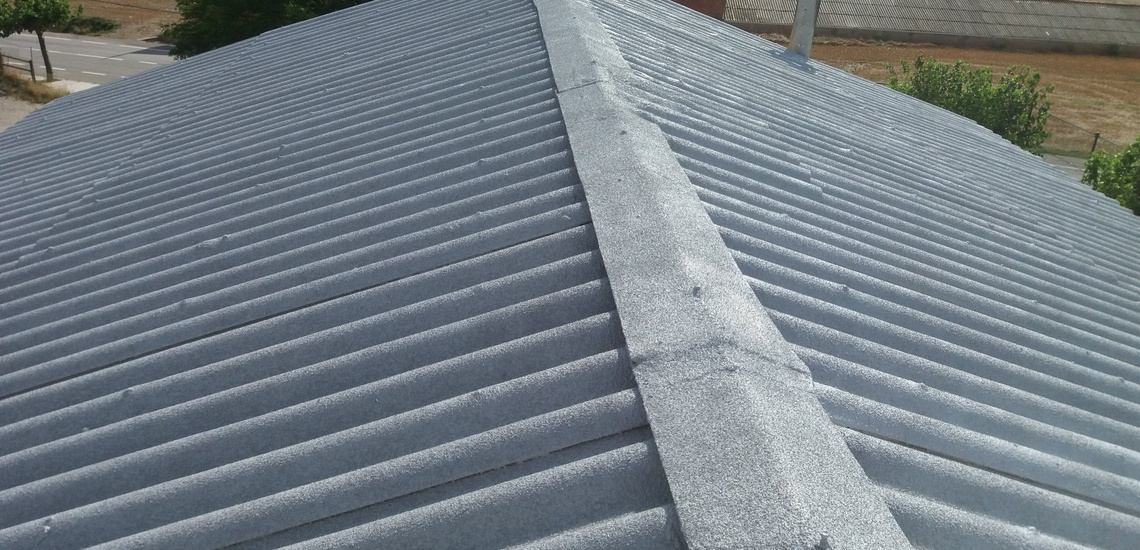 Corcho proyectado en Vilanova i la Geltrú para evitar humedades en las paredes