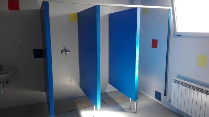 Mamparas de duchas y quita-vistas en residencia de ATADES (Zaragoza)