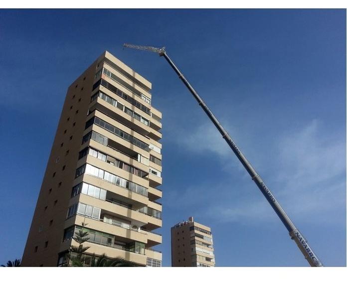 Elevaciones en general: Servicios de Grúas Navarro Málaga