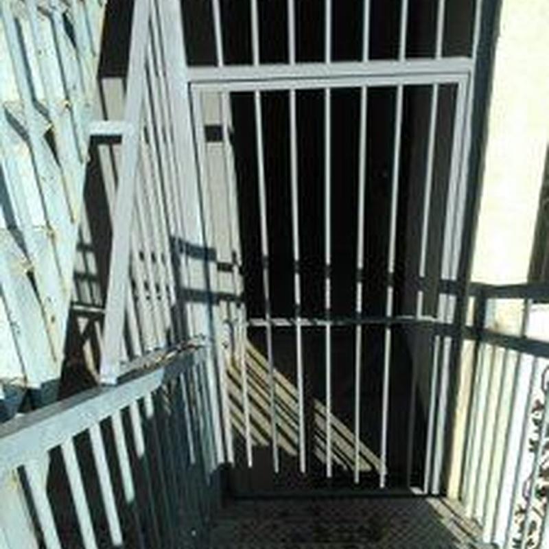 Cerramientos de escaleras: Servicios y Productos de Cerrajería Avelino Izquierdo, S.L.