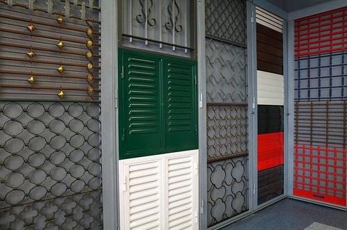 Persianas y cierres para negocios en Madrid