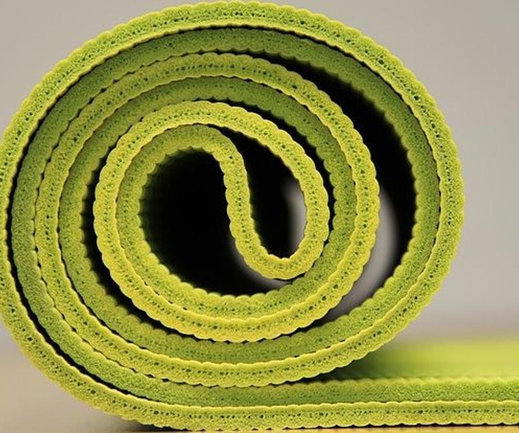 Tres posturas de yoga muy beneficiosas