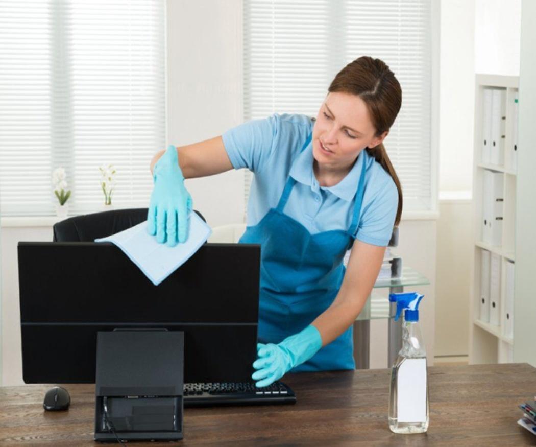 Aprende a limpiar el material eléctrico de la oficina