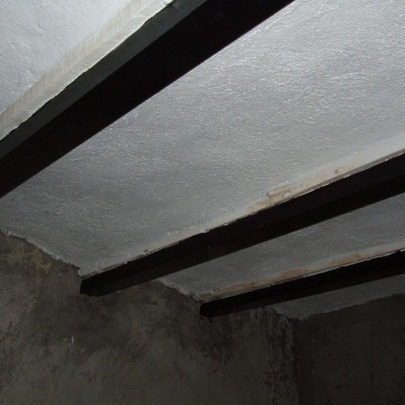 C/ Zamora, 26. Madrid. Refuerzo de forjado de madera con perfiles de acero (estado reformado)