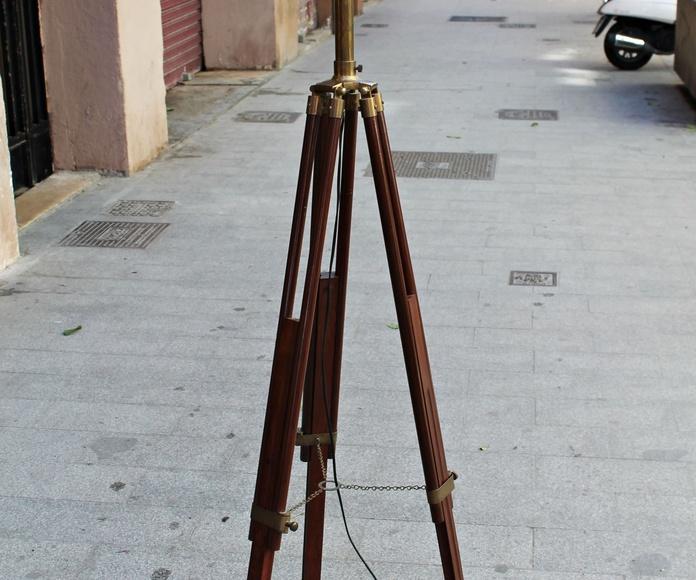 Lámpara de pie - trípode antiguo: Artículos  de Ruzafa Vintage