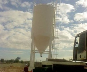 Silo para almacenaje con capacidad para 80 toneladas