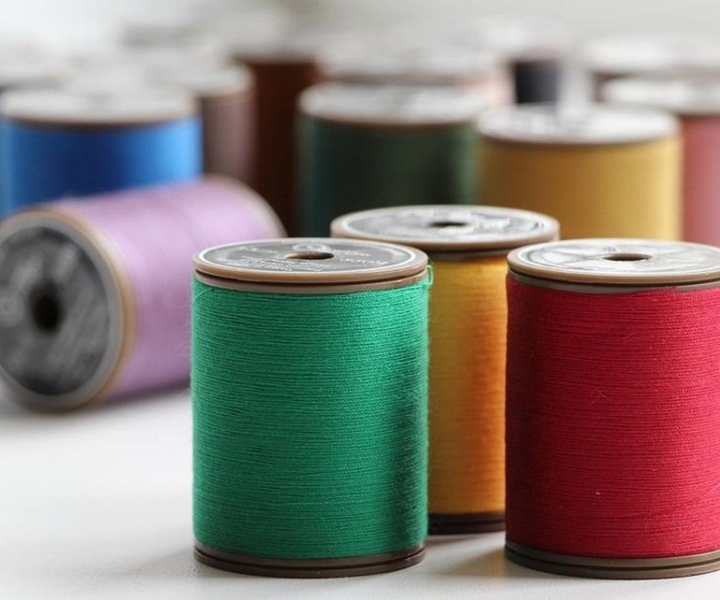 El hilo de coser