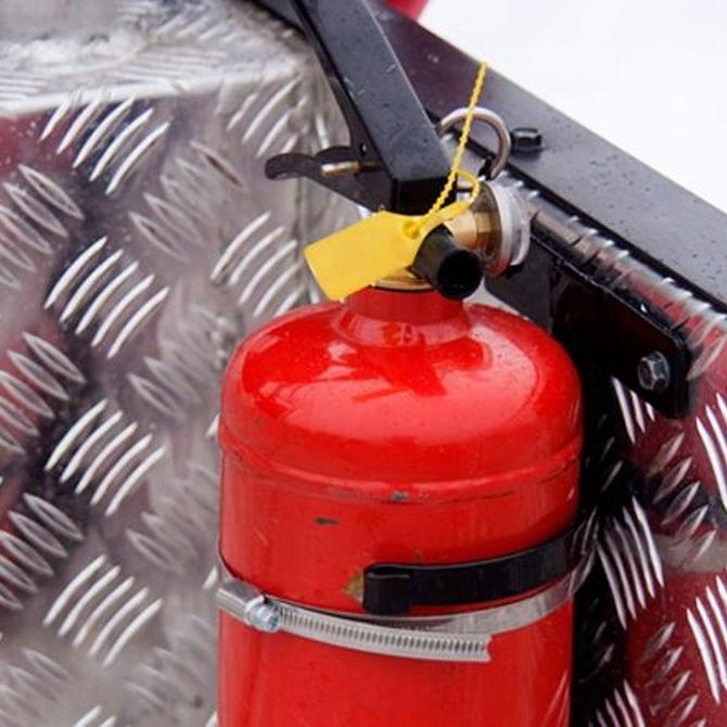 ¿Qué tipo de extintor lleva un autobús?